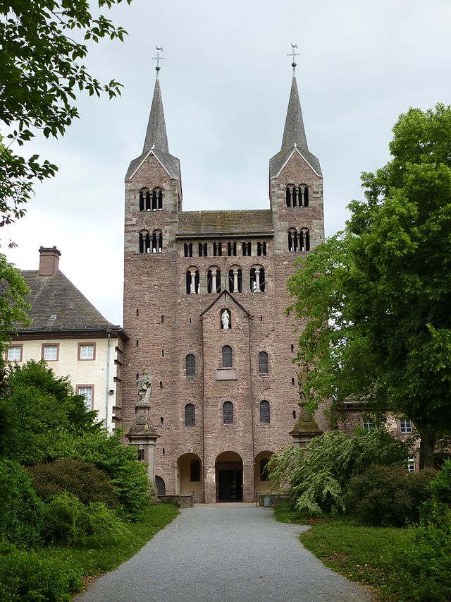 Das Westwerk der Klosterkirche Corvey 2013 User Aeggy bei Wikipedia: http://de.wikipedia.org/wiki/Corvey http://creativecommons.org/licenses/by/3.0/