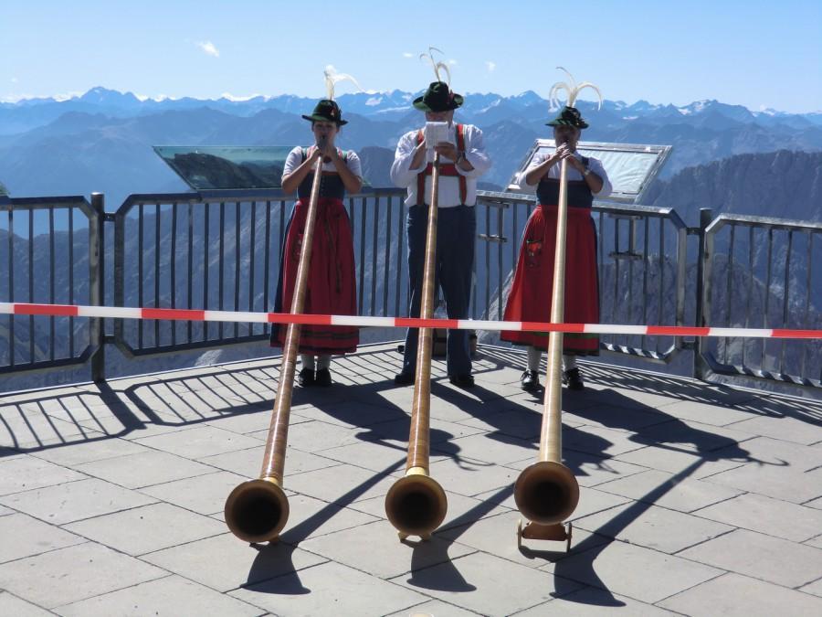 Zugspitze: Alphorn-Bläser