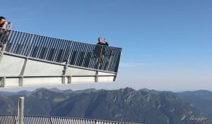AlpspiX mit sensationellem Blick - unter den Füßen durchsichtig. Bei Garmisch.