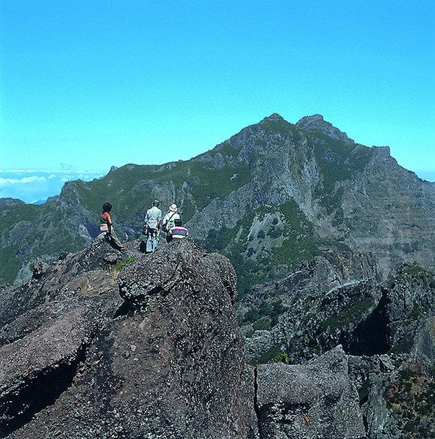 Pico das Torres: Madeiras zweithöchster Berg ist ein Blickfang bei einer Wandertour durch die Inselmitte.  Quelle: OLIMAR Reisen / olimar.com
