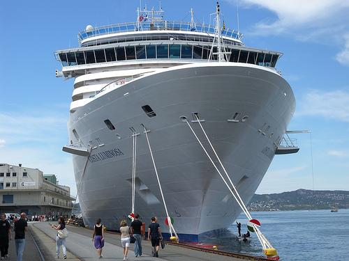 Kreuzfahrtschiff, Symbolbild. By: weisserstier Gefunden auf Flickr.com unter CC-Lizenz CC BY 2.0