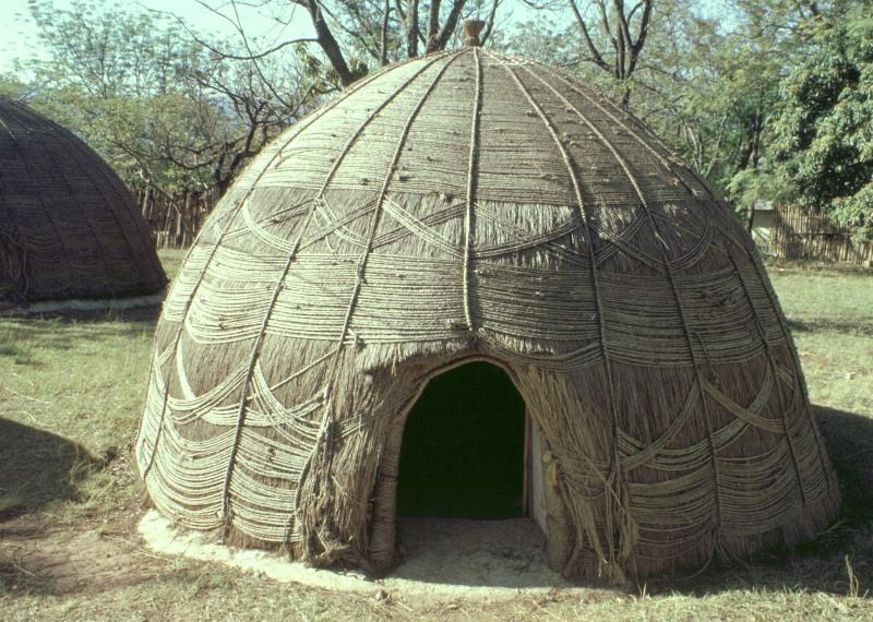 Südafrika: Zulu-Hütte in KwaZulu-Natal