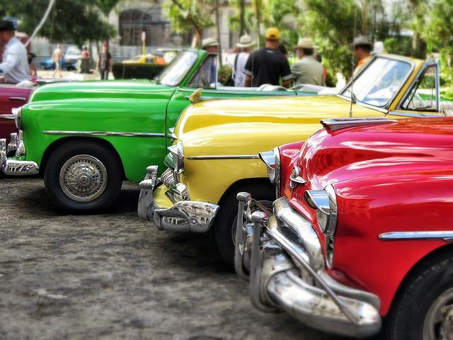 Oldtimer in Kuba / Cubaxoracio / Pixabay. Gefunden unter CC0 -Lizenz