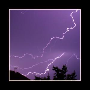 Blitz - By: Marco Arcangeli - CC BY 2.0. Gefunden auf Flickr.com unter CC-Lizenz