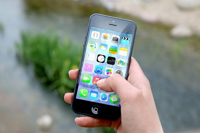 Smartphone. Photo by JESHOOTS (Pixabay)