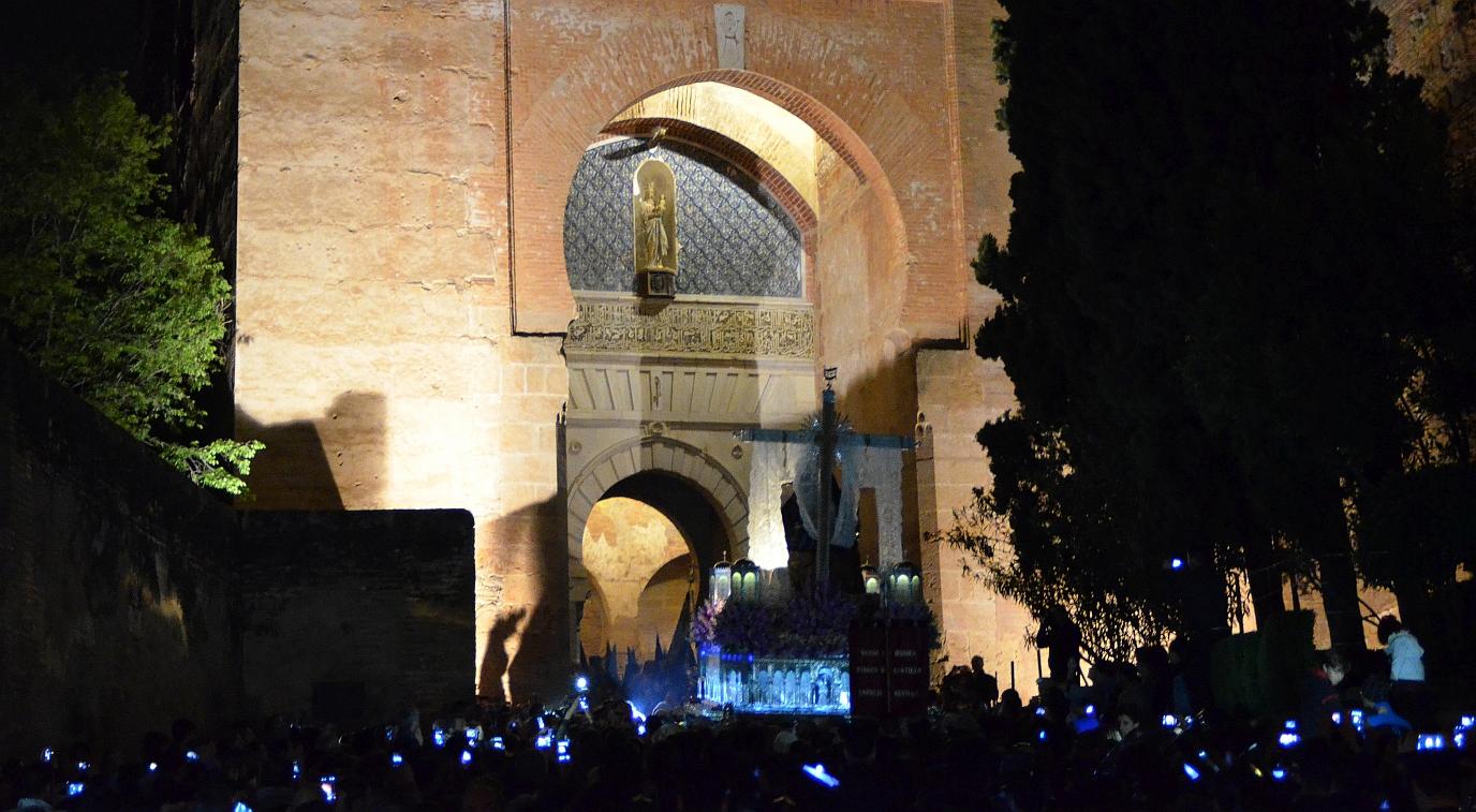 Andalusien, Semana Santa in Granada, Prozession - Bild copyright Alwin Pelzer - 1