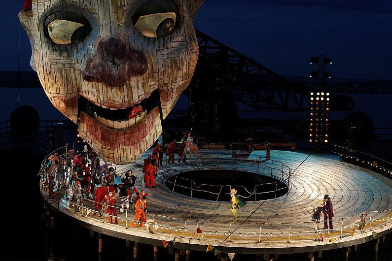 Rigoletto - Spiel auf dem See - Kopf und Kragen © Bregenzer Festspiele - Karl Forster