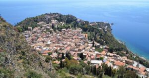 Taormina von oben. Bild Alwin Pelzer
